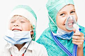 متخصص کودکان : (Pediatrician)  کیست؟