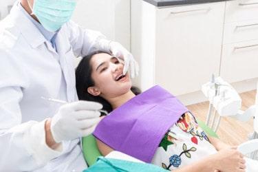 متخصص جراحی فک دهان صورت 1