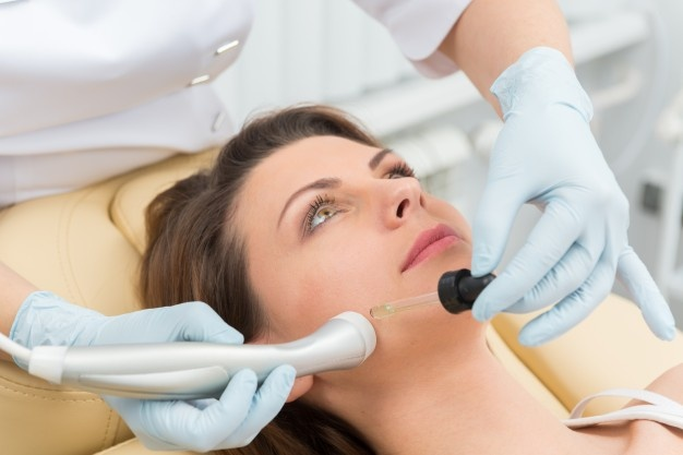 فوق تخصص زیبایی پوست ولیزر : (لیست 5 نفر از بهترین متخصصین پوست تهران)